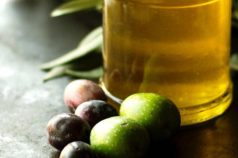 sortenreine oele karaffe flasche oliven mediterran online kaufen bremer gewuerzhandel
