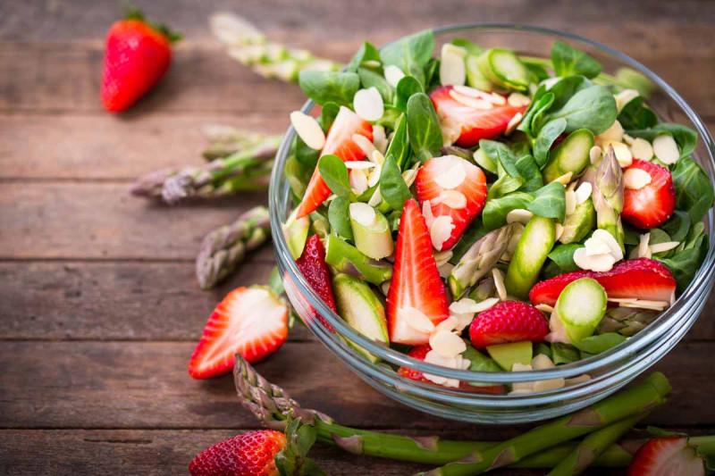 Spargelsalat mit erdbeeren bremer gewuerzhandel