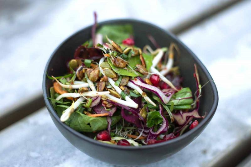 Salat Schuessel Nuesse Bremer Gewuerzhandel