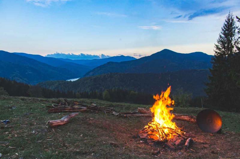 Feuer Lagerfeuer Berge Natur Bremer Gewuerzhandel
