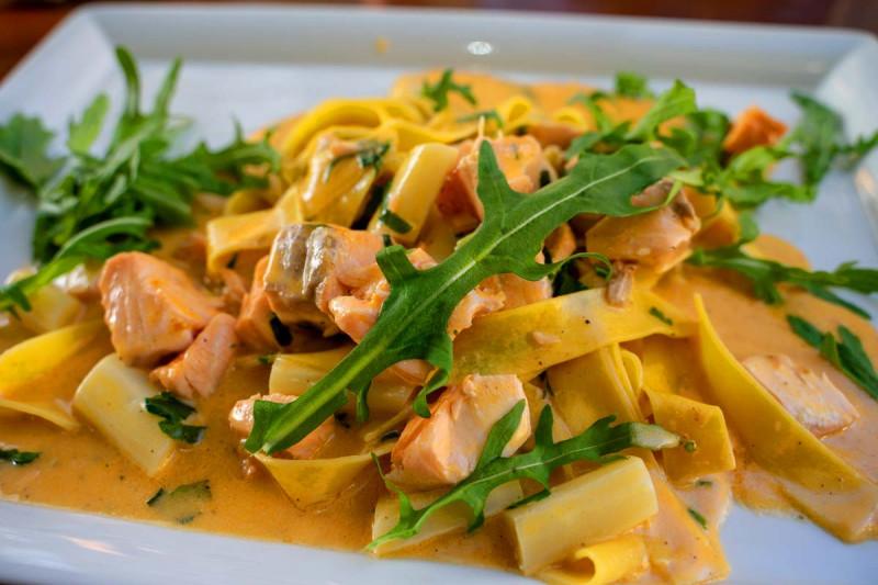 pasta mit lachs spargel rezept bremer gewuerzhandel