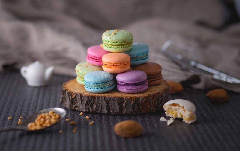 Macarons bunt Holzbrett Bremer Gew rzhandel