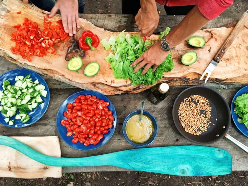 essen zubereiten kochen gemuese schneiden genuss rezepte bremer gewuerzhandel